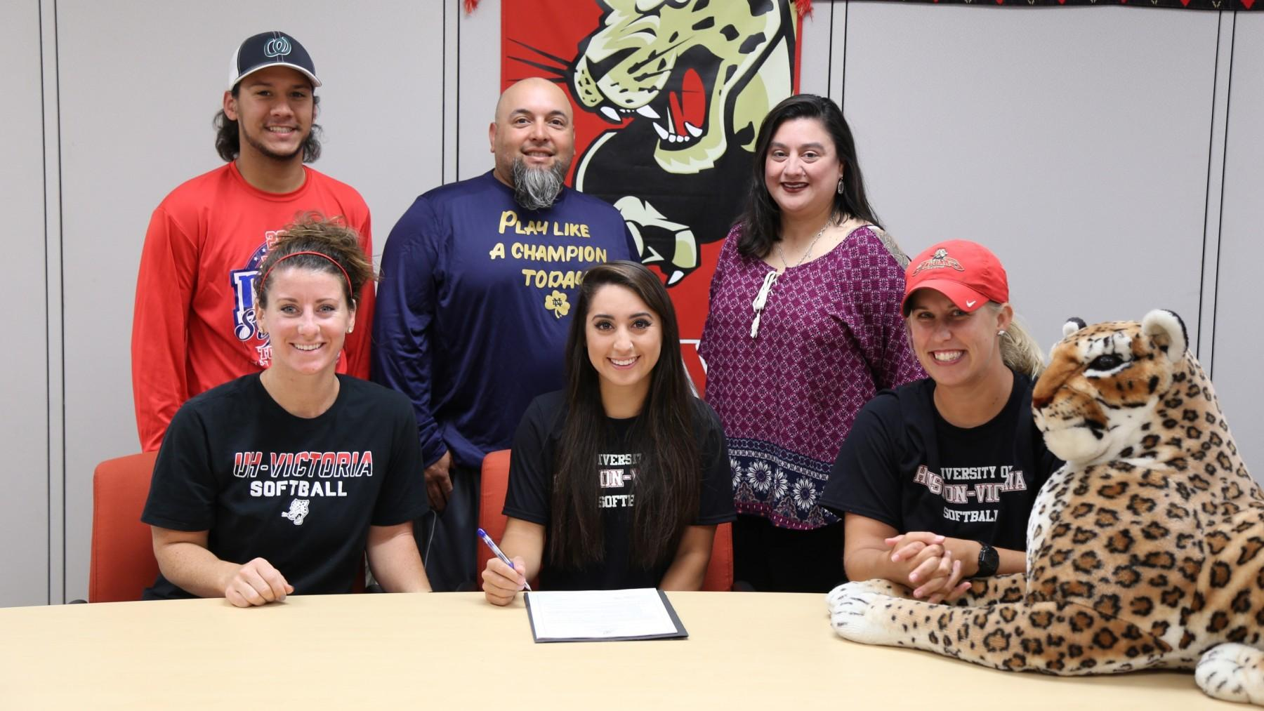 Former Lady Flyer signs with UHV