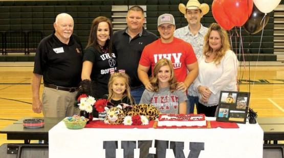 Canyon Lake's Carley Dubois has signed to play softball for UHV in 2018. (N.B. Herald-Zeitung Photo)