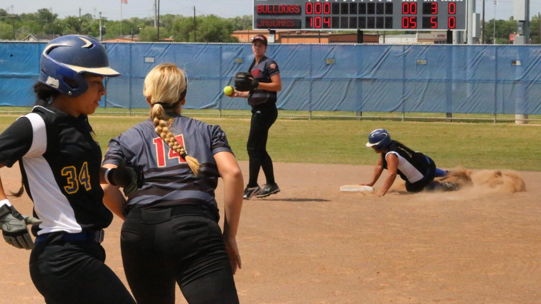 The UHV Jaguars completed a four-game sweep over Jarvis Christian on Saturday.