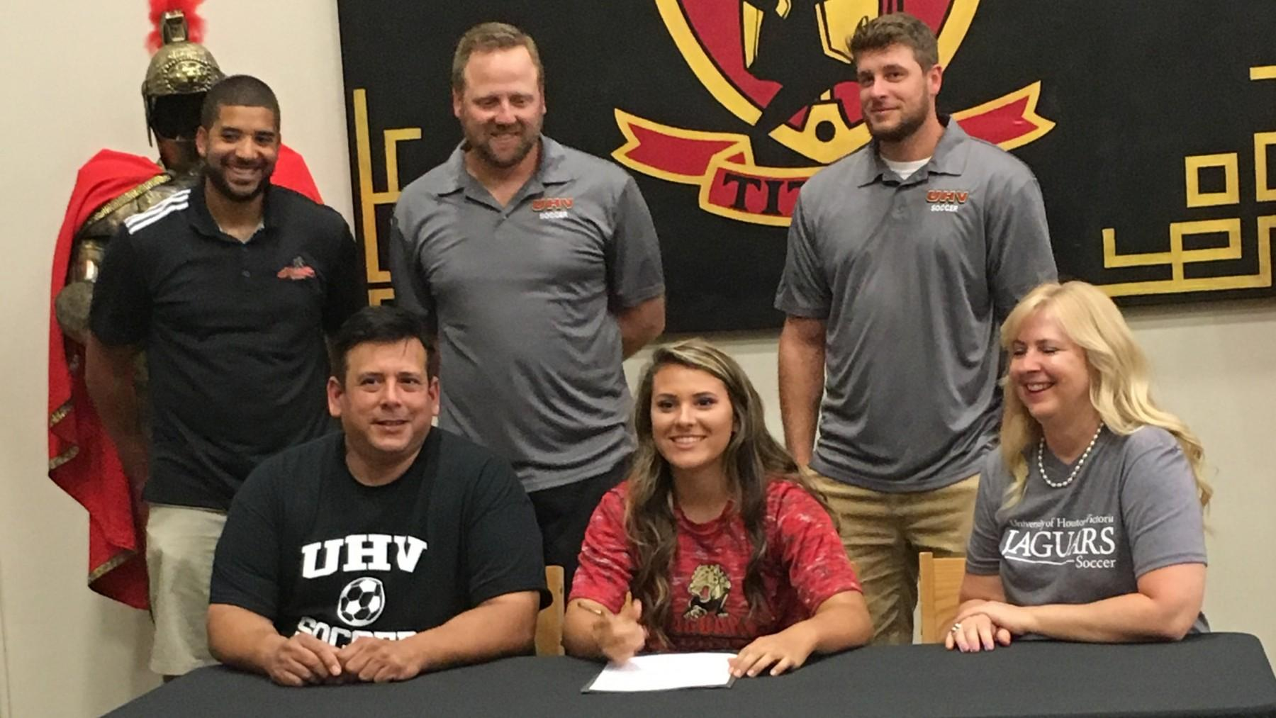 Victoria East senior signs with UHV