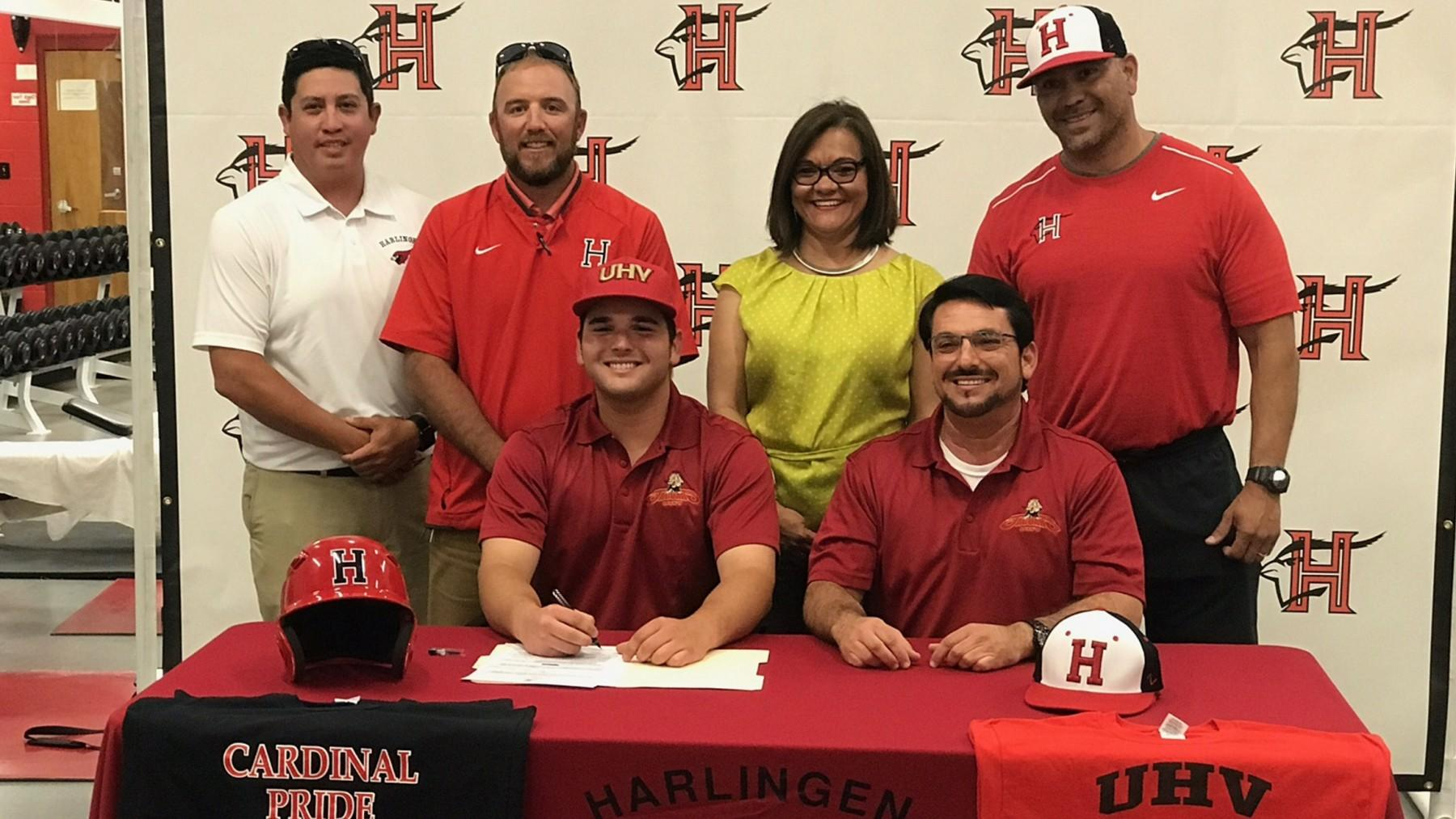 Harlingen first baseman signs with UHV