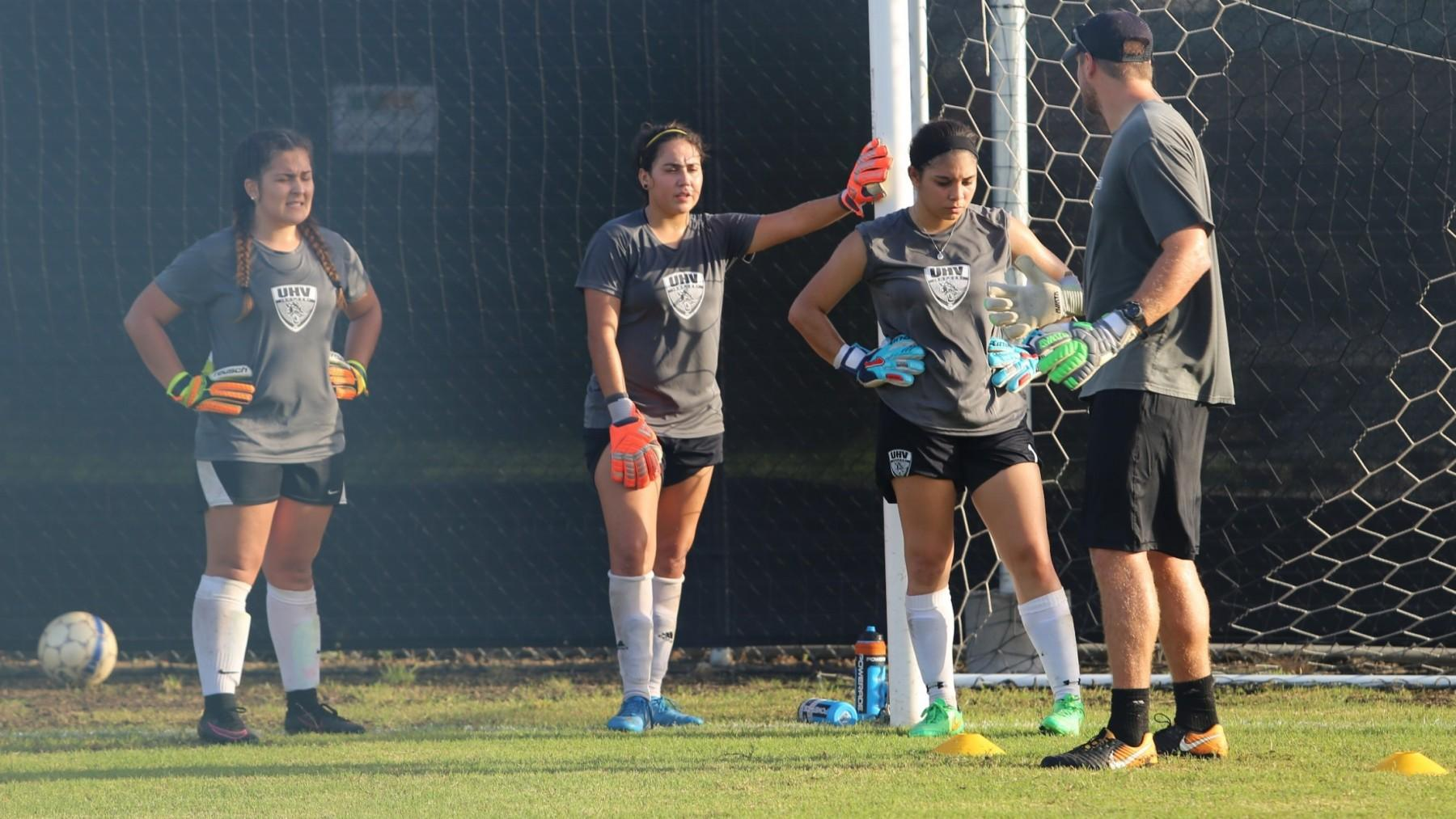 UHV soccer teams enter season unranked